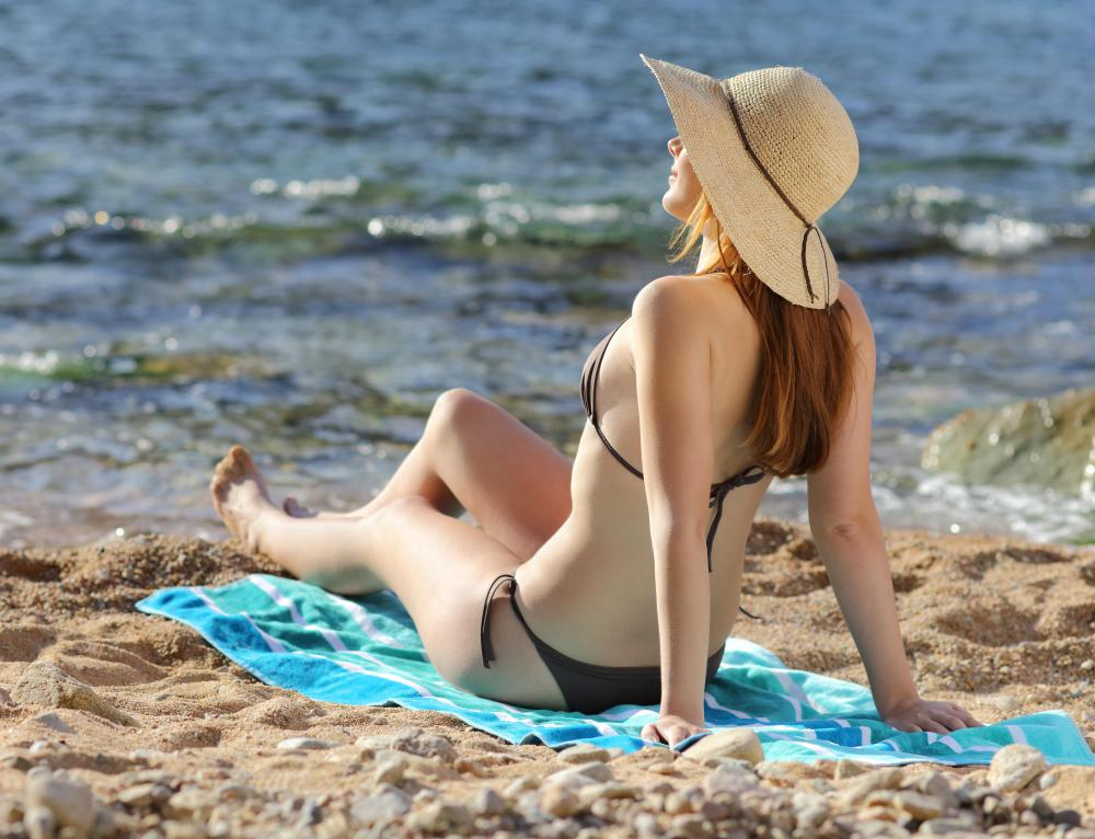 Exposure to the sun is strongly discouraged for people with fair skin who are particularly prone to sunburn.