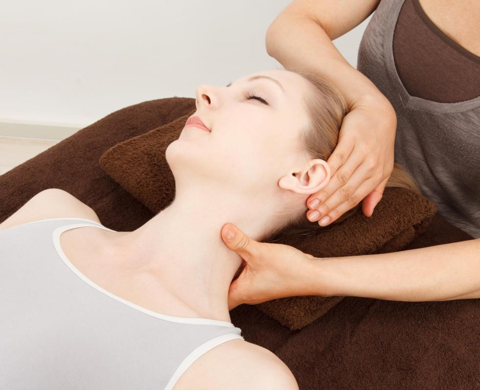 Some mini facials may include a pressure point massage of the neck, face, and shoulders.
